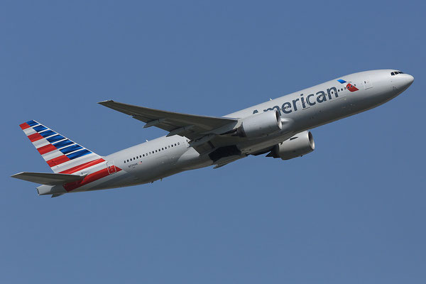 07.07.2013; N774AN, Boeing 777-223ER der American Airlines in new cs.