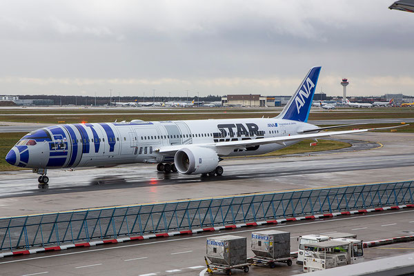 "FRA 13.01.2016; JA873A, All Nippon Airways Boeing 787-9 ""R2D2""-livery"
