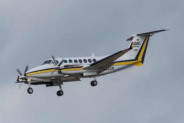 FRA 04.03.2015; D-CADN; Beech 300 Super King Air 350 Aerodienst (ADAC)
