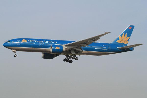 FRA 20.10.2012; VN-A142 Boeing 777-200 Vietnam Airlines