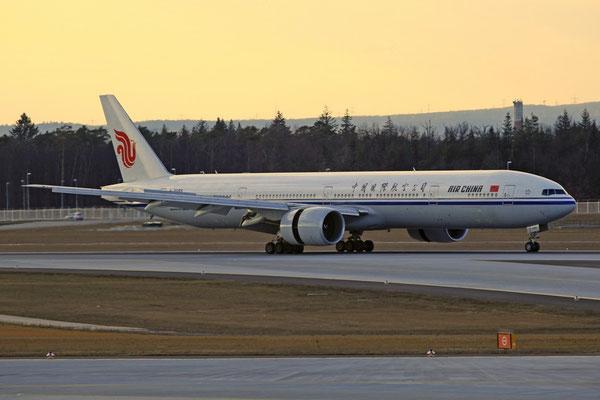 FRA 06.03.2012; B-2085 Boeing 777-300ER Air China