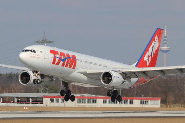 FRA 06.03.2012; PT-MVH Airbus A 330-200 TAM