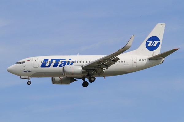 02.06.2013; VQ-BPP, Boeing 737-524W der UT Air (ex-Continental)
