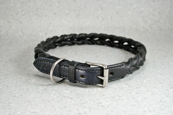 Geflochtenes Halsband / Größe: XXXL / Breite: 2,5 cm / Farbe Oberleder: Blue/Blau / Farbe Naht: Blau /Preis: € 84,-