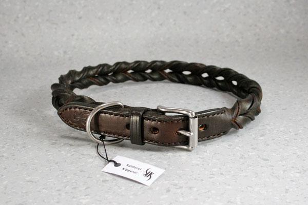 Geflochtenes Halsband / Größe: XXL / Breite: 2,5 cm / Farbe Oberleder: Walnut/Walussbraun / Farbe Naht: Braun /Preis: € 81,-