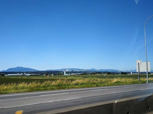 Fahrt durch die Außenbezirke von Vancouver zum Wohnmobilvermieter