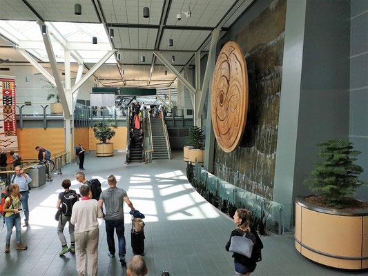 Empfangshalle im Flughafen Vancouver