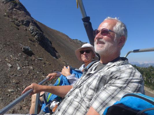 Auf dem Sessellift zum Gipfel