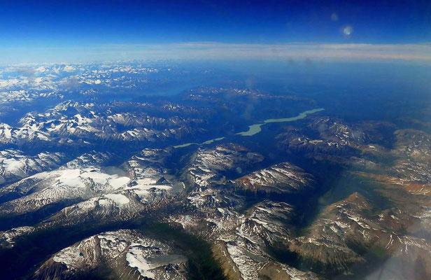Über der Cascade Range kurz vor dem Ziel