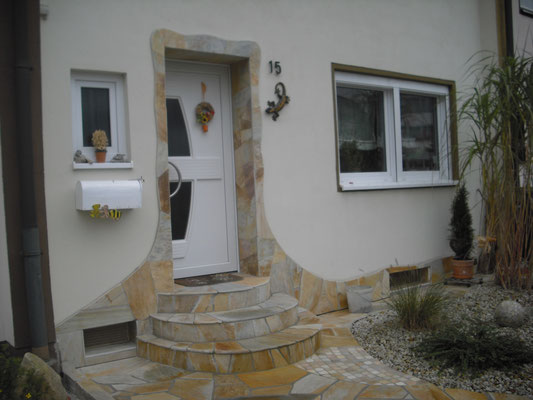 Natursteinhauseingang