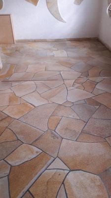 Naturstein verblendeter Innenbereich - Naturstein Polygonalverlegung
