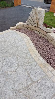 Naturstein Eingangsbereich - Indiviuelle Gartengestaltung