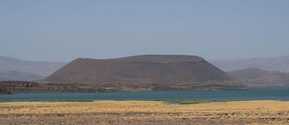 Teleki Vulkan an der Südspitze vom Lake Turkana