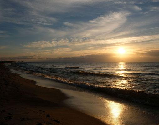 Erst Sonnenaufgang schauen (also zumindest Djamila)...