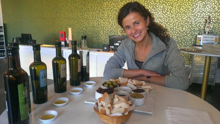 zwischen dem Weinguthopping einen leckeren Snack...Olivenfarm Leura