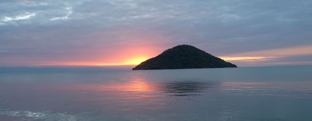 Cape Maclear - ein unfassbar schöner Sonnenuntergang