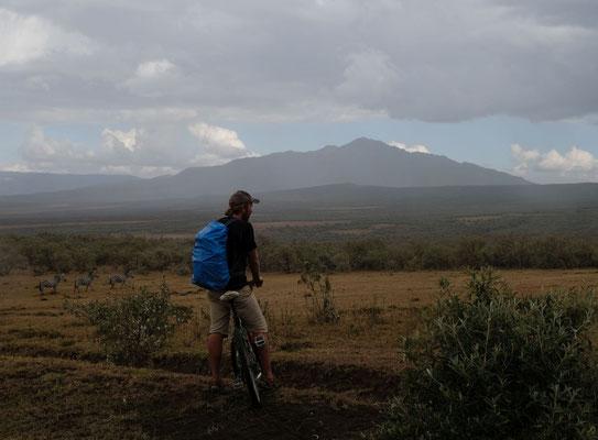 Safari mal auf dem Fahrrad im Hells Gate NP