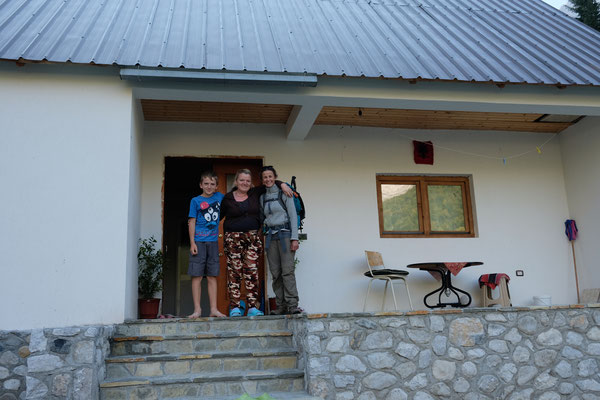 """Das Valbona Tal ist für den Wandertourismus noch in den Kinderschuhen und jede Familie hat ein """"Gasthaus """""""