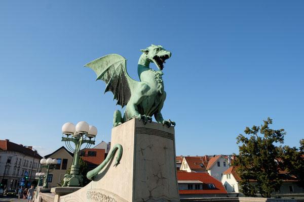 hier gibt es einige Sagen über Drachen