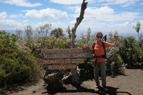 Mount Longonot - ein Vulkan mit Ausblicken auf das Rift Valley und einem riesigen Wald im Inneren