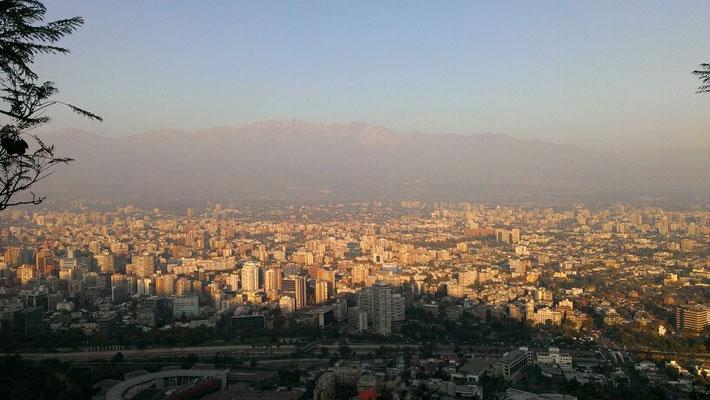 Ausblick auf Santiago vom Cerro Cristobal