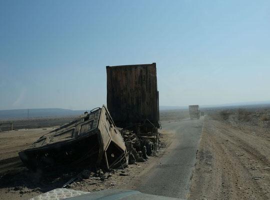 Horrorstraße nach dem Grenzübergang