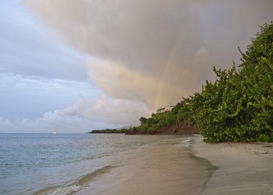 Latuna Beach Resort, Strand
