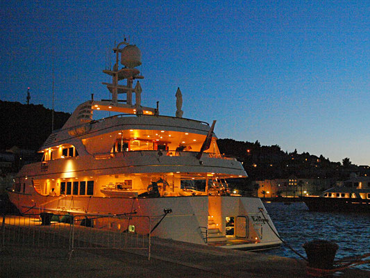Korcula, Mega-Yacht Eclipse