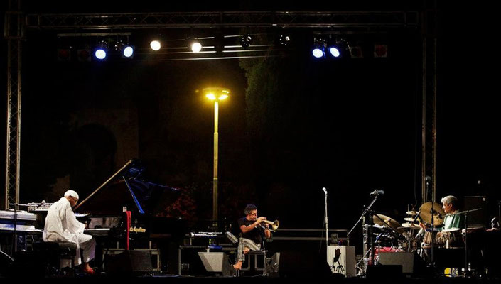 OMAR SOSA, PAOLO FRESU e TRILOK GURTU - Pompei - Settembre 2011
