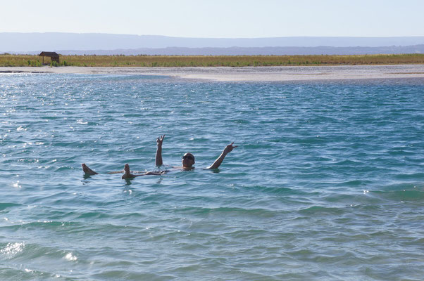 La lagune saléee ... on flotte !