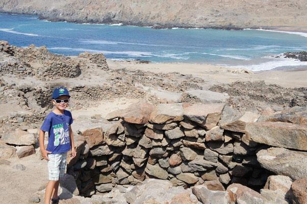 Ruines incas le long de la côte ...