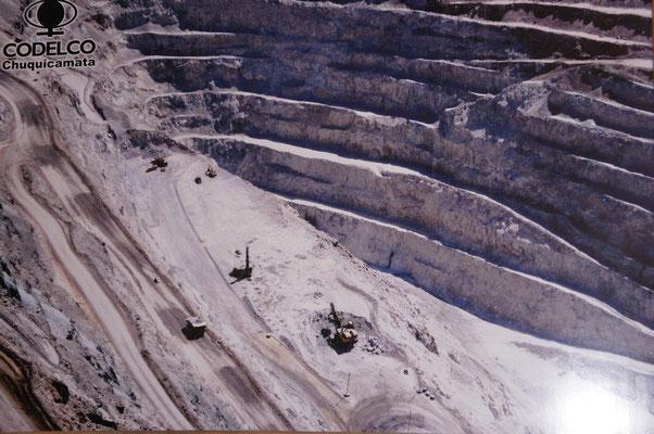 Vue aérienne de la mine ...