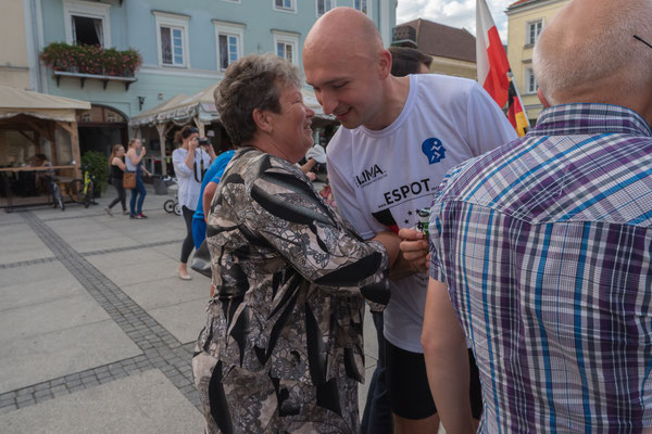 Glückwünsche nach dem Zieleinlauf: Romek Łaski