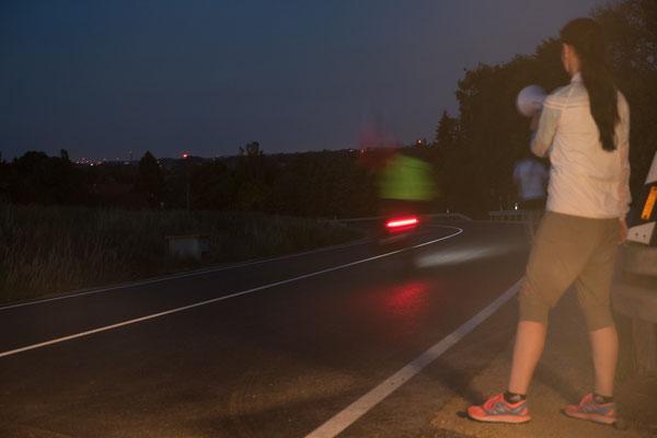 Magda Reinhardt verabschiedet das Etappenteam in die Nacht