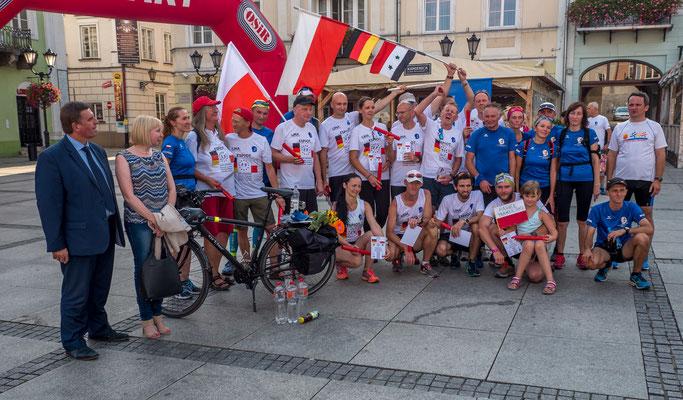 Das ESPIOT-Team mit Freunden des Klub Endorfina