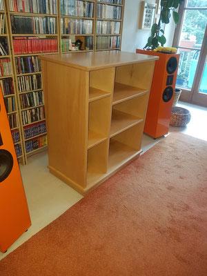 Musikmöbel gefertigt aus 25mm Multiplex geölt