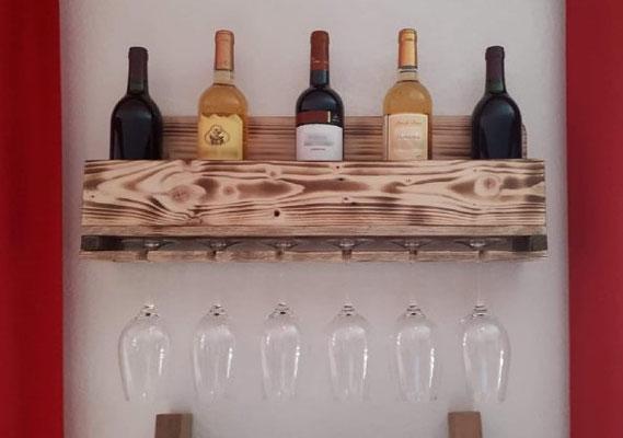 Support à bouteilles et verres en bois de palette