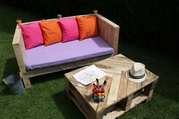 Banquette et table basse en bois de palette