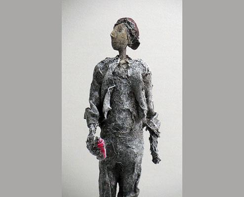 Figur aus Pappmache - gestalteter Sockel aus Eiche - Größe ca. 56 cm - Titel: Graffiti-Sprayer -verkauft -