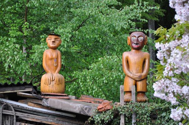 Tütü und Affenkönig auf dem Dach