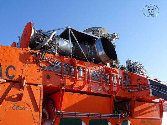 2 × Pratt & Whitney turboshaft engines (Turbinen), 4,500 shp