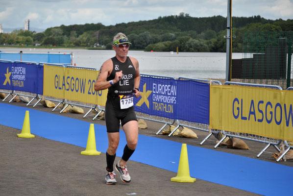 Philip Schädler geht auf die Laufstrecke