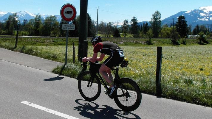 Daniel Gassner voll konzentriert auf dem Rad