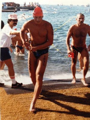 Daniel Quaderer beim Schwimm-Exit beim Ironman auf Hawaii 1987