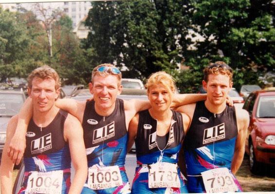 Team Liechtenstein Triathlon WM Lausanne 30.8.1998 vlnr Philip u. Michael Schädler, Barbara Jentner, Marc Ruhe
