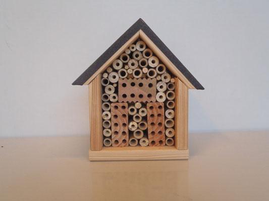 Insektenhotel: PS Barmbek Nr. 16