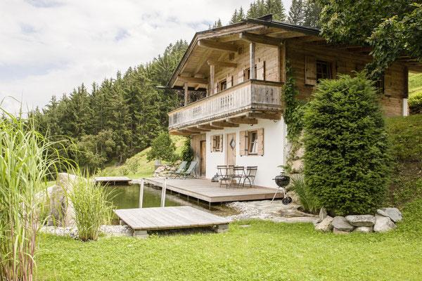 FerienHaus KandlerAlm mit privatem NaturBadeTeich