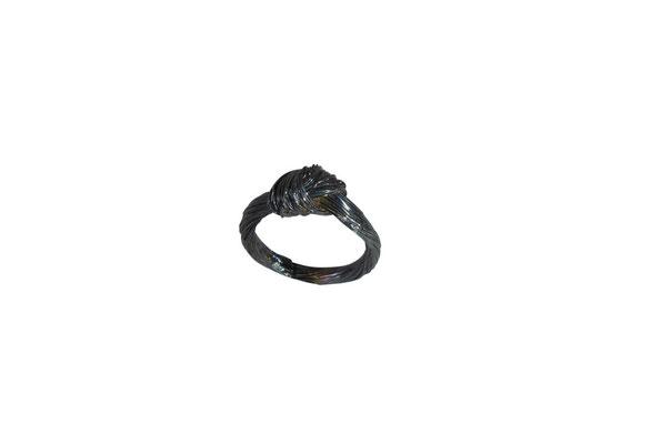 Ring mit Pferdehaarstruktur aus geschwärztem 925 Sterlingsilber