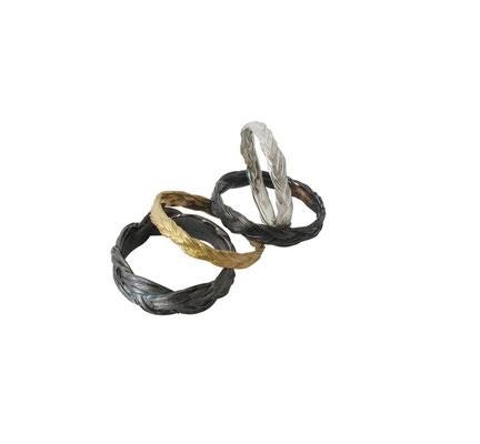 Ringe aus abgeformten Pferdehaar - gefertigt aus 14 oder 18 karat Rotgold und 925 Sterlingsilber, ab 80 Euro