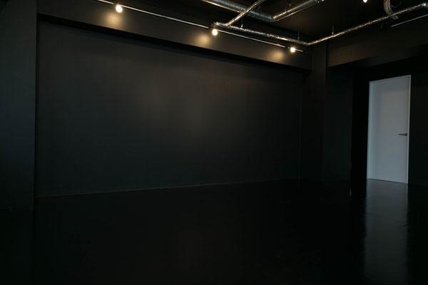 秋葉原 スタジオキチサ Whiteブース 撮影例3 白 ホワイトスタジオキチサ STUDIO KICHIS@ BLACKブース 黒 ブラック 2